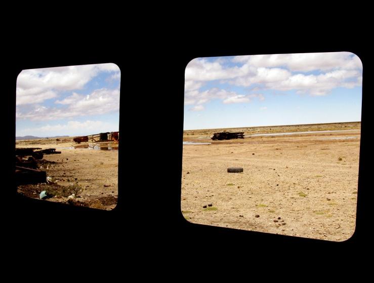 07_stinkfish_uyuni_bolivia_train_cementery